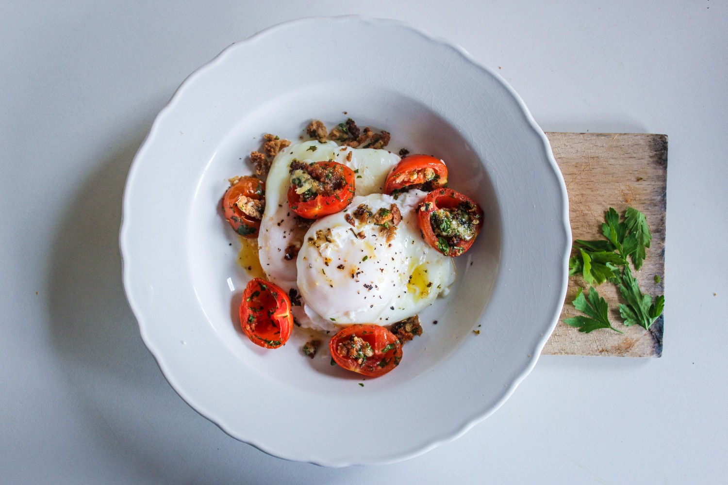 Poached Eggs with Crumbed Tomatoes