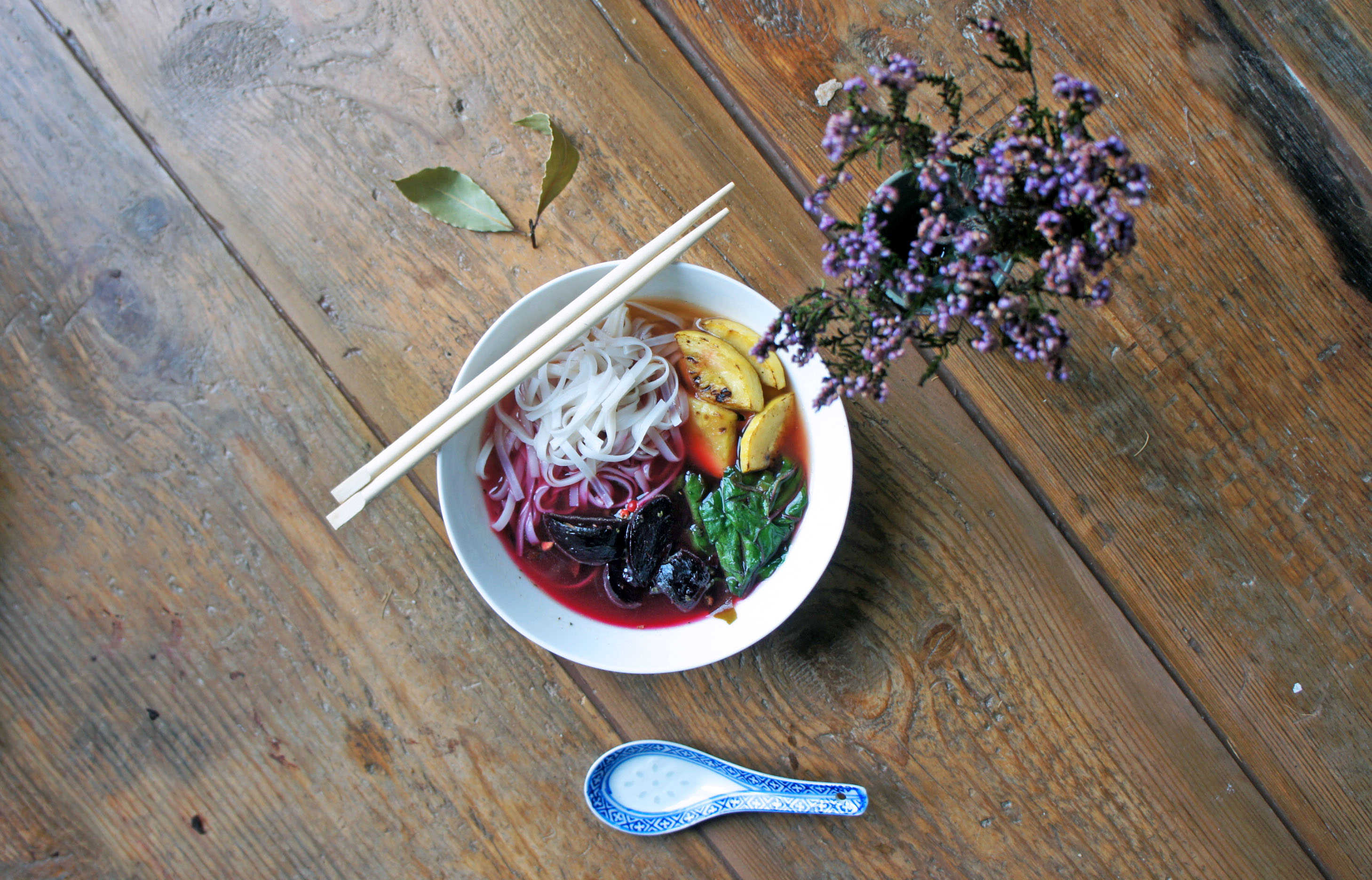 HEALING ROASTED BEETROOT MISO NOODLE BOWL recipe
