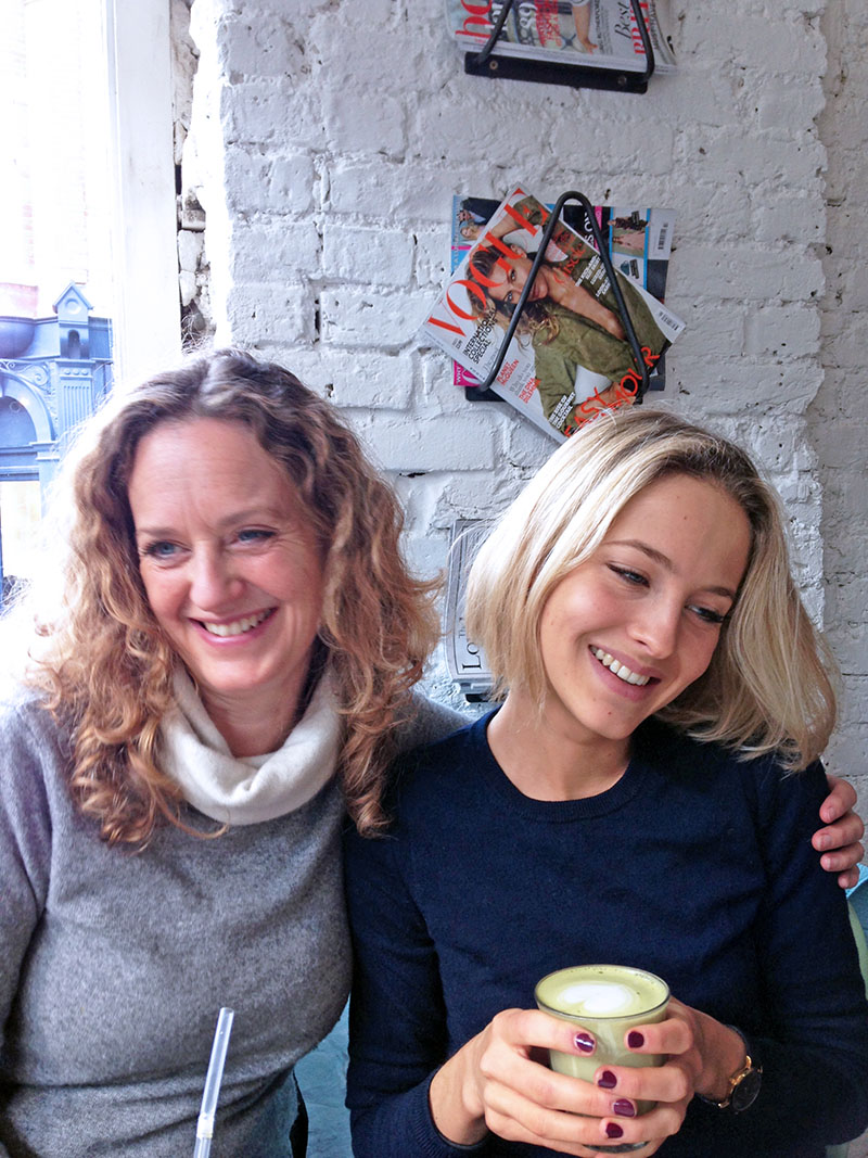 Birthday Brunching at Hally's, Parsons Green, cafe, review, best, brunch, eggs, tess, ward, candle, cake, healthy, good, food, recipe