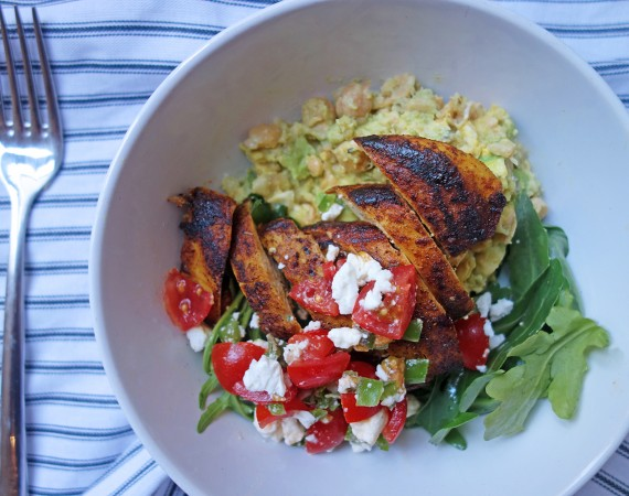 Turmeric Chicken, Tess Ward, salad bowl, chickpea, avocado, mash, light, diet, easy, simple, fast