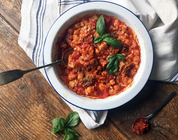 Tess Ward, Spicy Baked Chickpeas with Basil, recipe, how to, italian,dish, roast, cooking, easy, simple