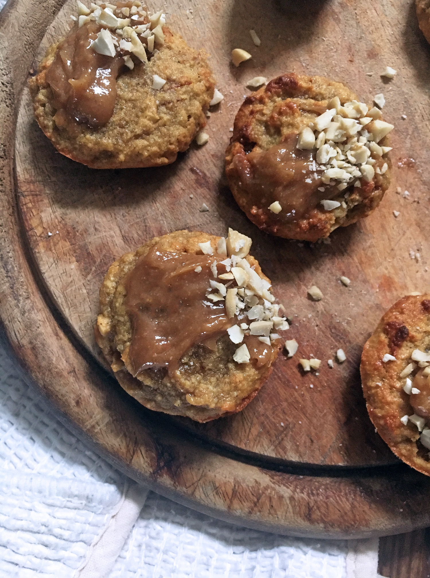 Also the addition of the sticky banana, meant I could make these egg free, so its a recipe win for anyone vegan too. , tess ward, cookies, cookie, vegan, recipe, sugar free, gluten free, dairy free, healthy, cashew, nut, light, easy, simple, make, cook, bake