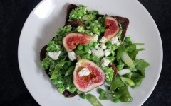 Garden Pea, Fig and Goats Cheese on Toast, tess ward, chef, cook, blogger, peas, cheese, make, bake, easy, simple, delicious, tartine, fig, healthy, simple