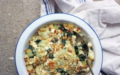 Spinach, Feta and Zaatar Pie, tess ward, greek, pie, eat, tasty, fast, health, delicious, how to, eat, bkae, make, veggie, vegetarian, spinach, superfood, potato, health, carb, light